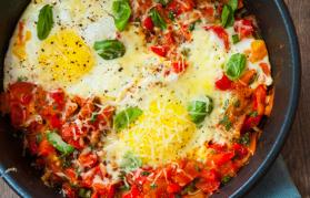 Tegamino di uova alla pizzaiola