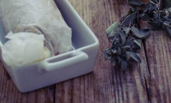 Arrosti di legumi e noci con salsa allo yogurt