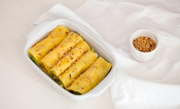 Cannelloni di crepes ripieni di avocado e Fontalpe Ferrari con granella di nocciole