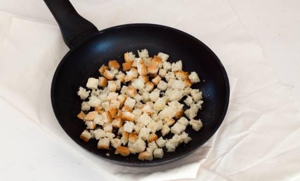 Paccheri ripieni di soupe à l'oignon, GranMix Ferrari e pane fritto